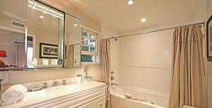 Swift_Bathroom2-574x430