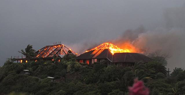 the-great-house-on-necker-island-owned-by-richard-branson-on-fire-after-lightning-struck-pic-virgin-740655408