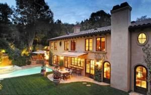 Kim Kardashian Lists This Beverly Hills Mansion