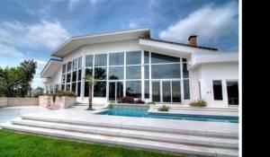 Sandra Bullock Selling Contemporary Austin Home