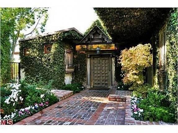 Ryan Phillipe Selling Rising Zen Home
