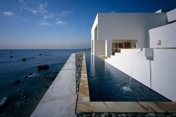 Kelly klein s pools reflections a stunning offering for Design pool klein