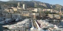 Harbor with views of Hotel de Paris, Hermitage, Casino and Opera House