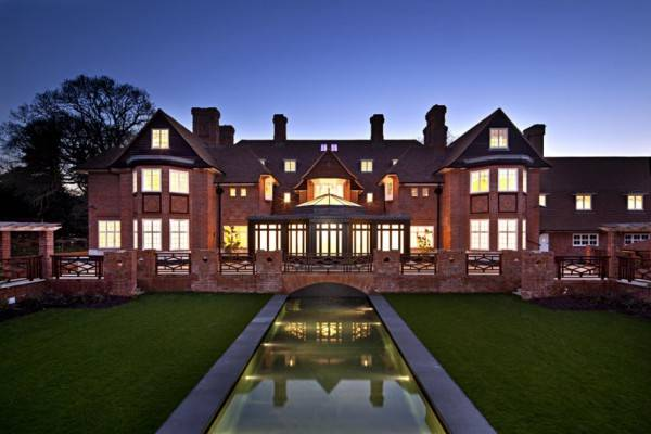 there-are-indoor-and-outdoor-swimming-pools-at-heath-hall