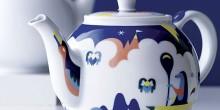 December teapot Janine Rewell