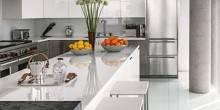 item17.rendition.slideshowWideVertical.white-kitchens-18