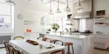 item21.rendition.slideshowWideHorizontal.white-kitchens-22