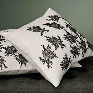 lace_pillows_grande