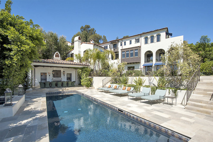 Hilary Swank Relists 9 5M Pacific Palisades Mansion