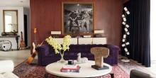 item2.rendition.slideshowWideHorizontal.adam-levine-hollywood-hills-home-03-living-room