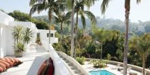 item3.rendition.slideshowWideHorizontal.adam-levine-hollywood-hills-home-04-terrace