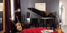 item7.rendition.slideshowWideVertical.adam-levine-hollywood-hills-home-08-bedroom