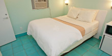 standard-room--v998778-28-1600