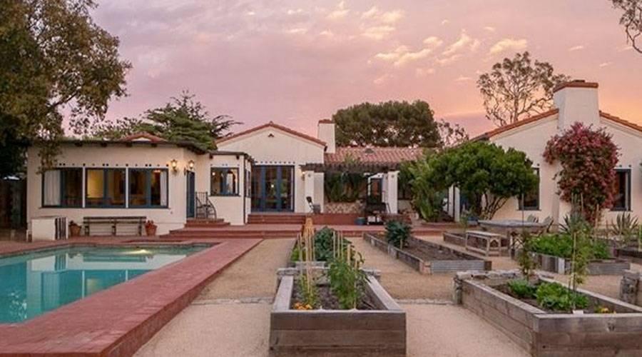 h1 Emilio Estevez Lists Malibu Pad with Micro Vineyard for $9.9M