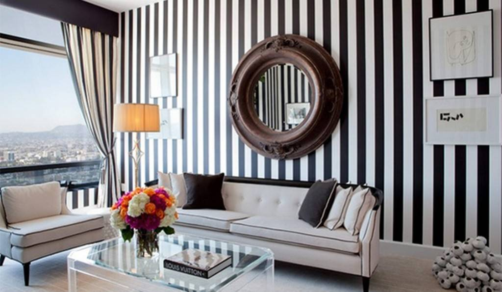 black andwhite accent wall