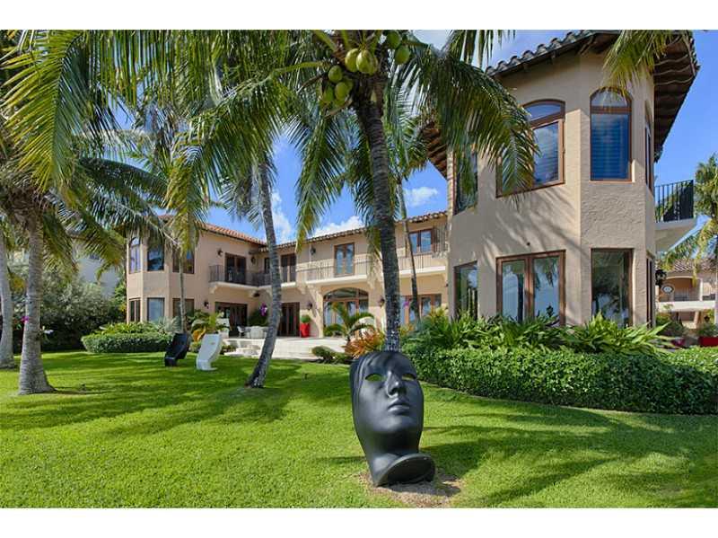 3575 Stewart Av, Coconut Grove, FL 33133-6828