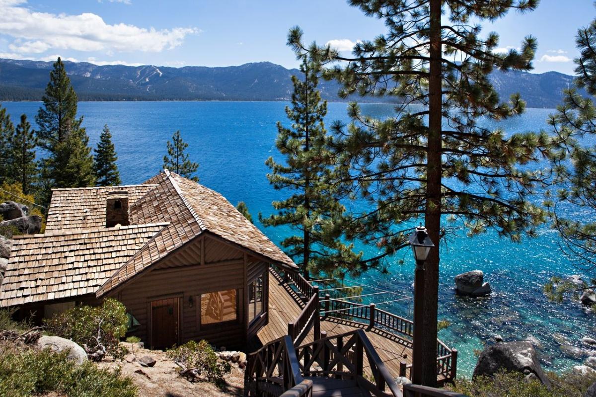 Enchanting Log Cabin Living Room