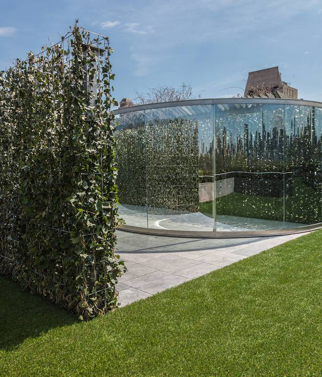 met-rooftop-dan-graham-landscape-glass-walls-ivy-hedgerows