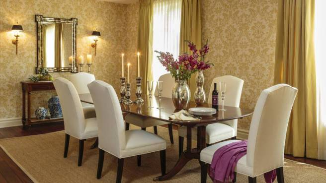 Sarah Michelle Gellar and Freddie Prinze Jr. Home - Dining Room