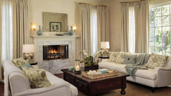 Sarah Michelle Gellar and Freddie Prinze Jr. Home - Living Room