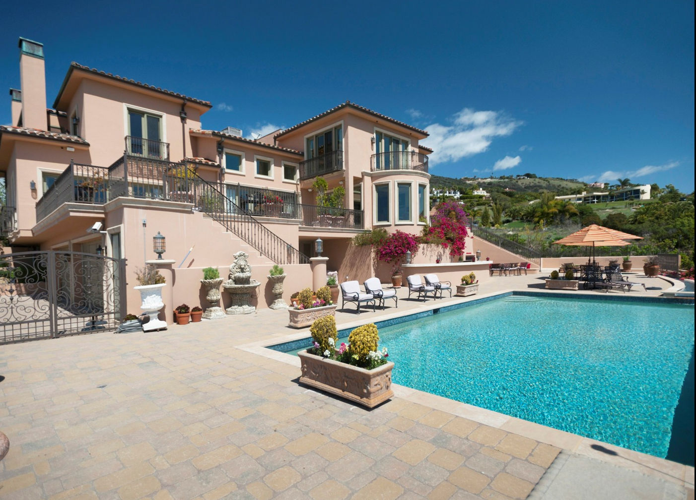 Malibu Tuscan Treasure – Sotheby's International Realty