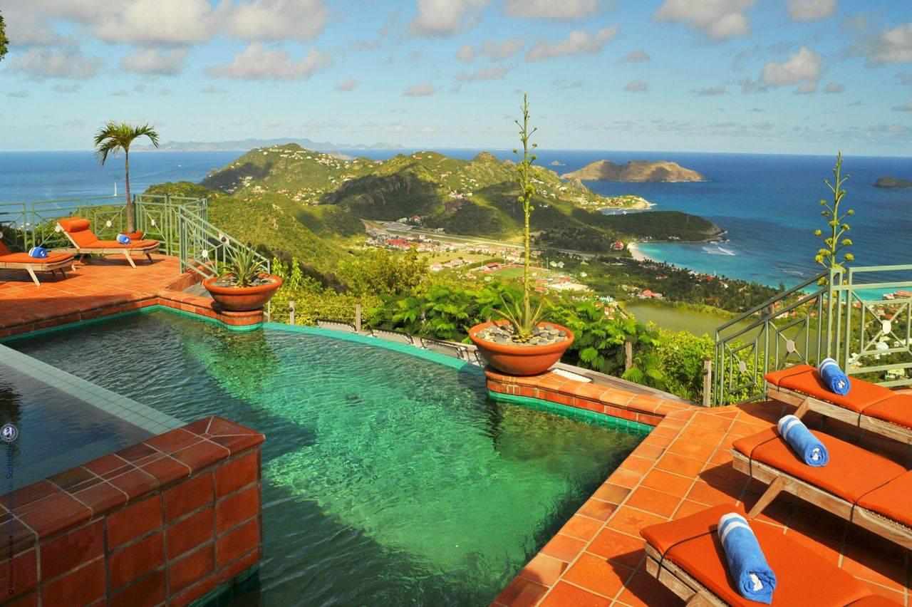 Steve Martin's Island Paradise