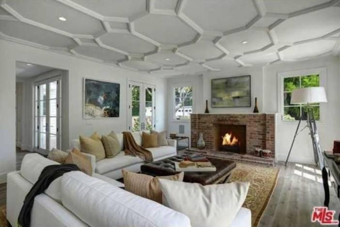 Ari Living Room