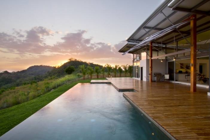 Daveed Hollander and John Wieland Discuss Costa Rican Residents' Favorite Activities and What Homebuyers Should Do Before House Hunting