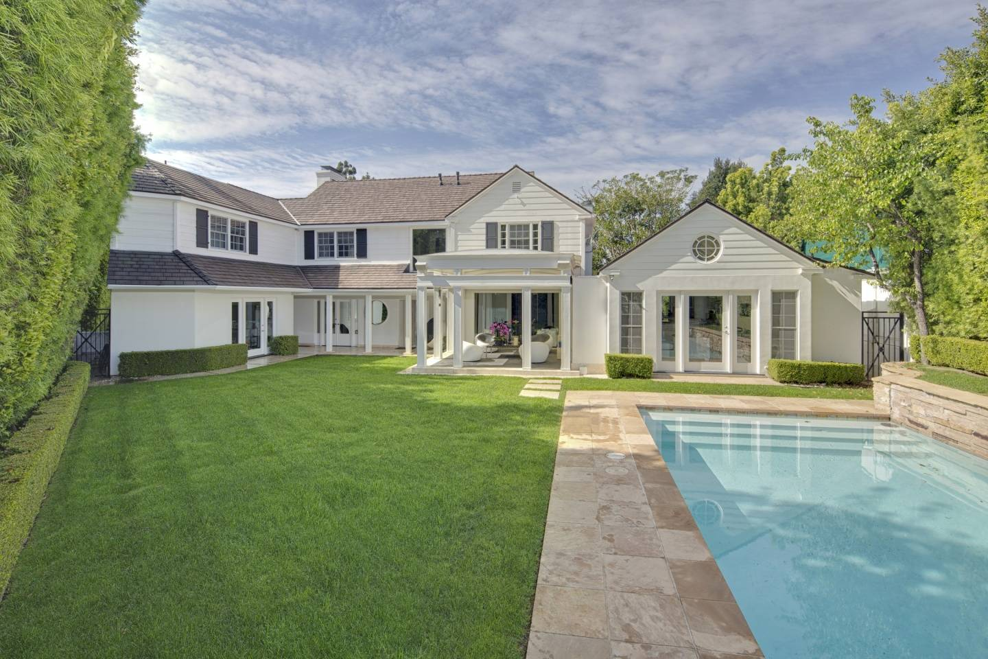 Linda May Discusses the Lifestyle in Holmby Hills