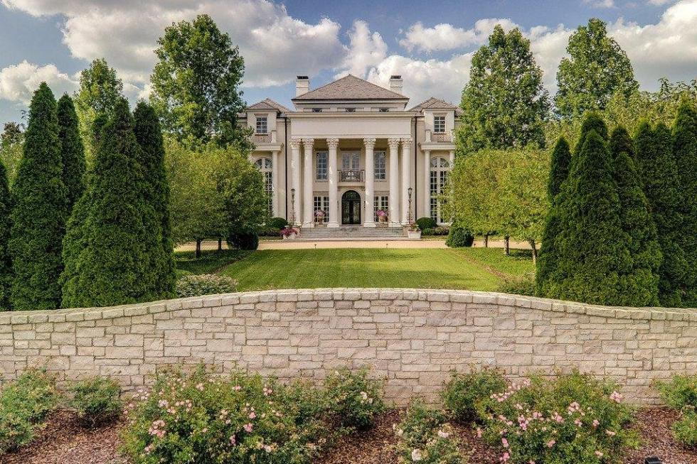 Tennessee's Bella Rosa Mansion