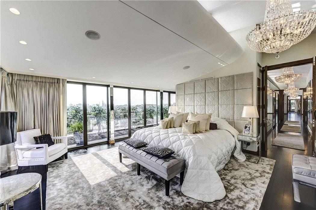 Hugh Grant Former Penthouse