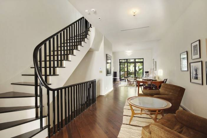 3_TH_FEAT_Staircase