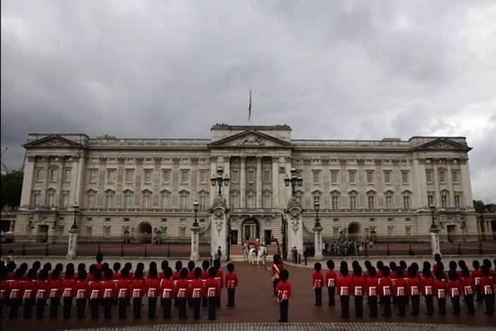 6-Buckingham Palace