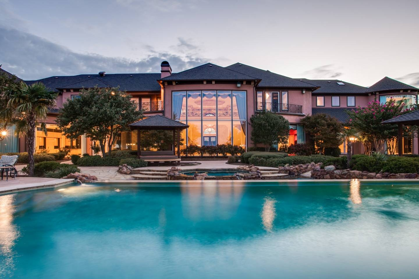 Prime Time Deion's Dallas Mansion