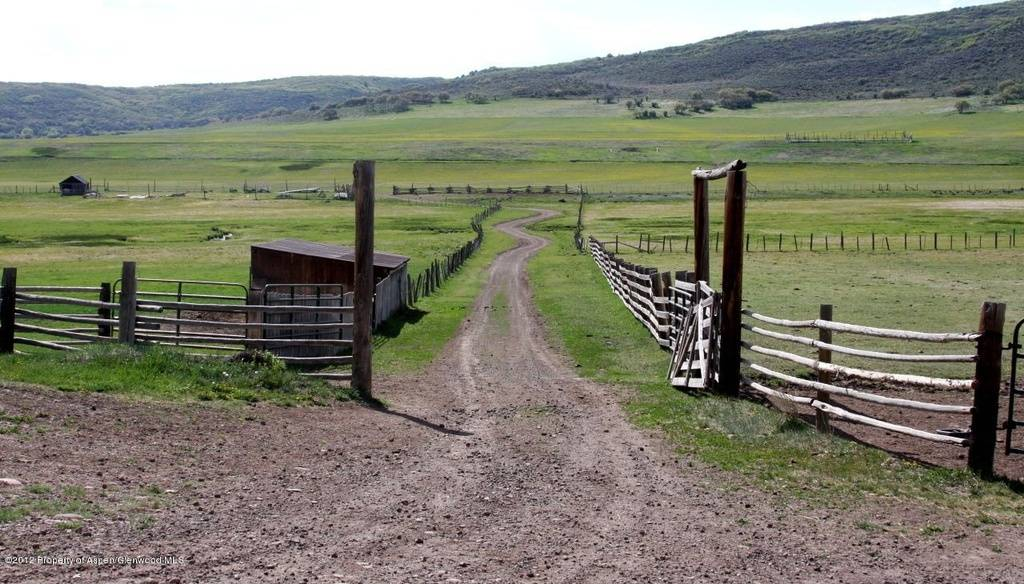 Jeff-Gordon-ranch-fence-65086b