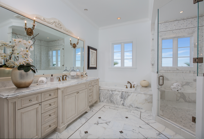 Splendida Dimora has five en-sute bathrooms and five bedrooms.