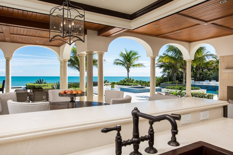 Beyond the loggia, Splendida Dimora features 155 feet of private beachfront.