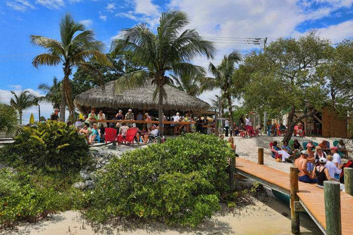 Daniel matusiak on the best spots to dine in sarasota florida for Casey key fish house