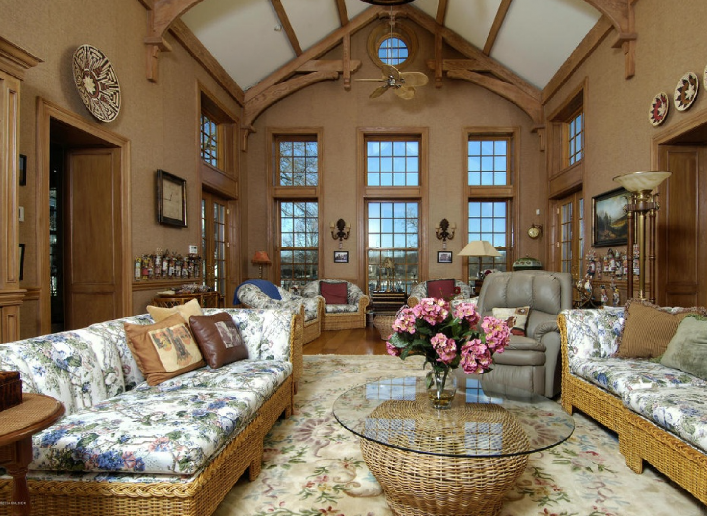 Great room that resembles a ski lodge setting