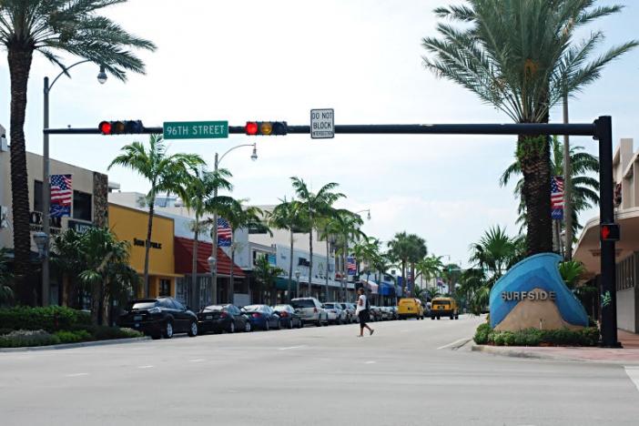 Surfside_FL_entrance