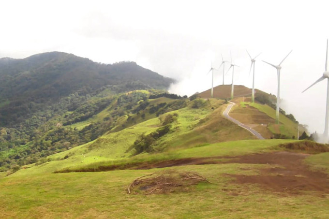 800-wind-energy-in-costa-rica-680x453