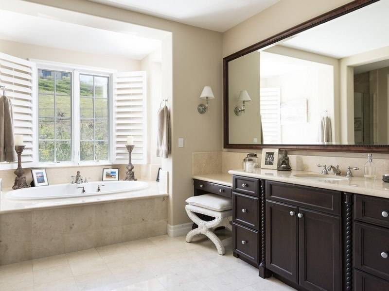 Bret-Michaels-bathroom-4e383c