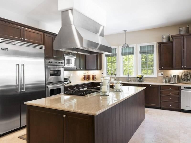 Bret-Michaels-kitchen-5abba2