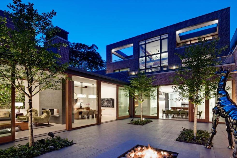 5 incredible luxury residences for sale featuring j lo 39 s for Mansions for sale in chicago