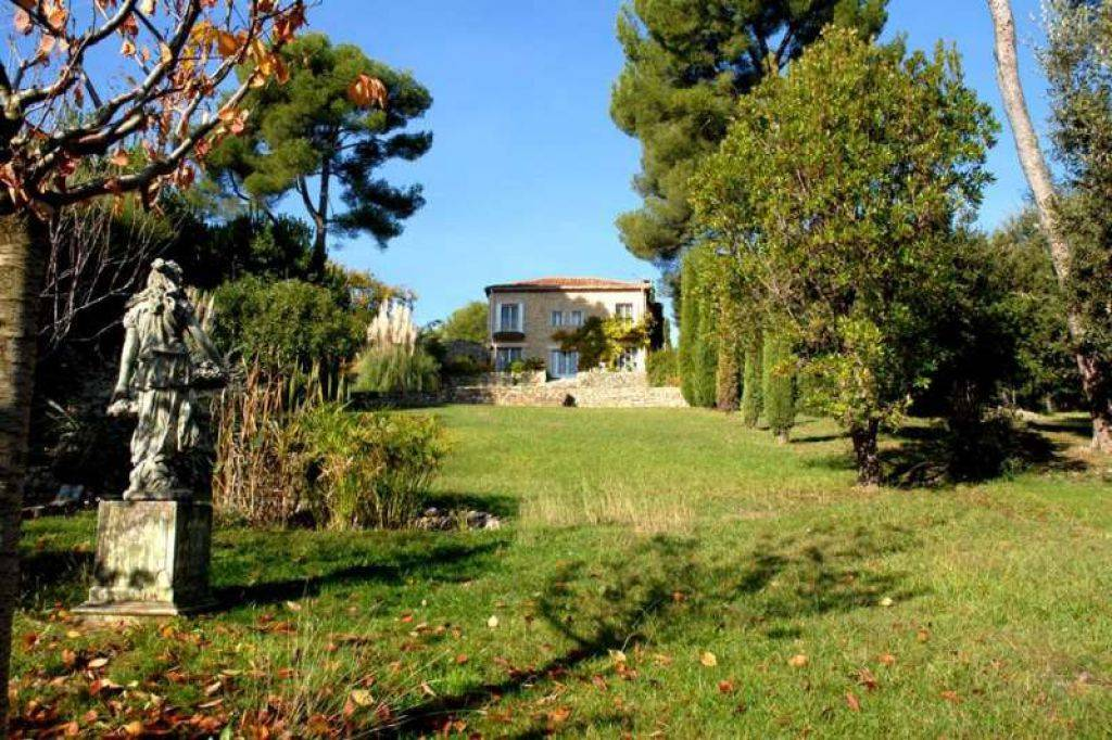 House for sale in Valbonne
