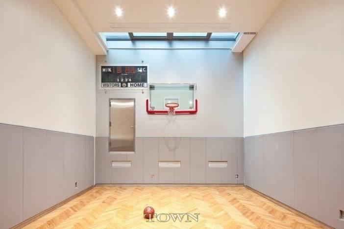 Heidi-Klums-basketball-court-b9ced8