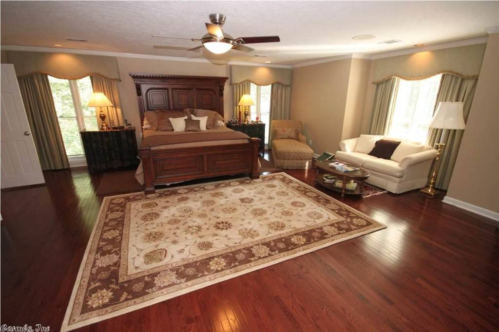 Mike huckabee reduces price of little rock home to 674 900 - Bedroom furniture little rock ar ...