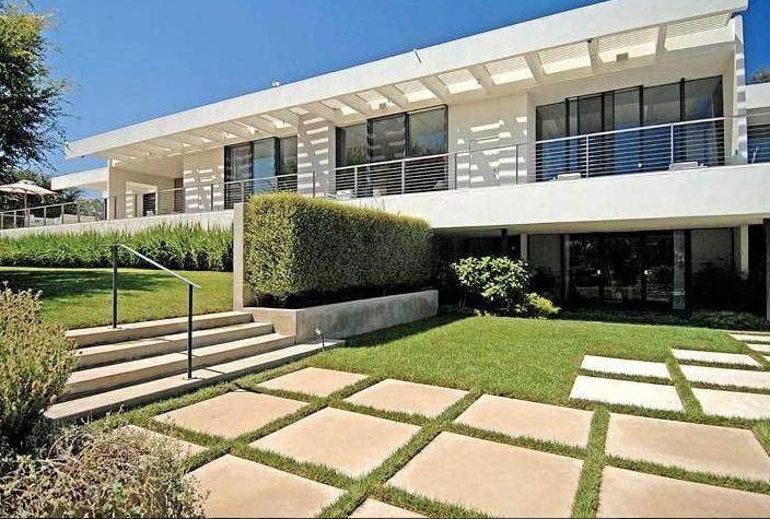 Jennifer Aniston's Bel-Air Home - Image Courtesy of Curbed.