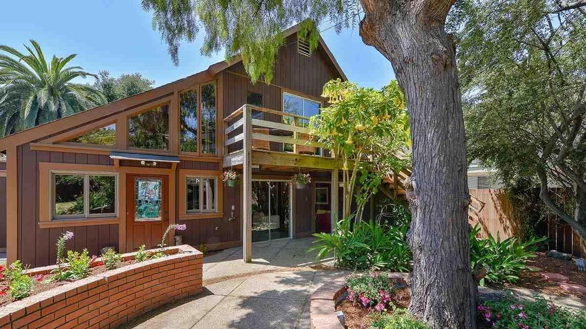 Whoopi Goldberg Lists Berkeley Home for $1.275 Million ...