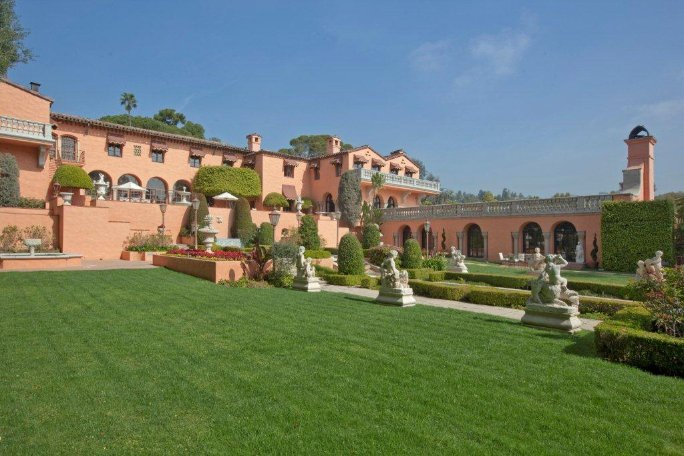 RARE $135M LEGENDARY BEVERLY HOUSE